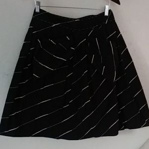Floreat, bow front skirt with pockets Sz.6